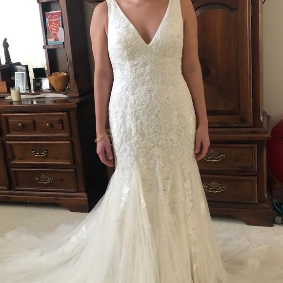 ba406fec3dd43 Oleg Cassini Dresses | Pearlbeaded Vneck Mermaid Wedding Dress ...